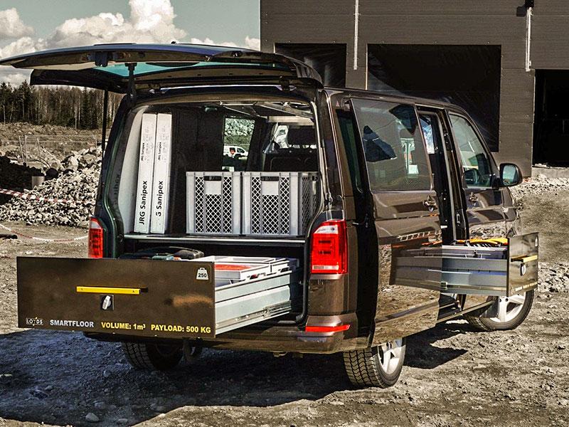 Dubbelgolv med Loyds Smartfloor i arbetsbil